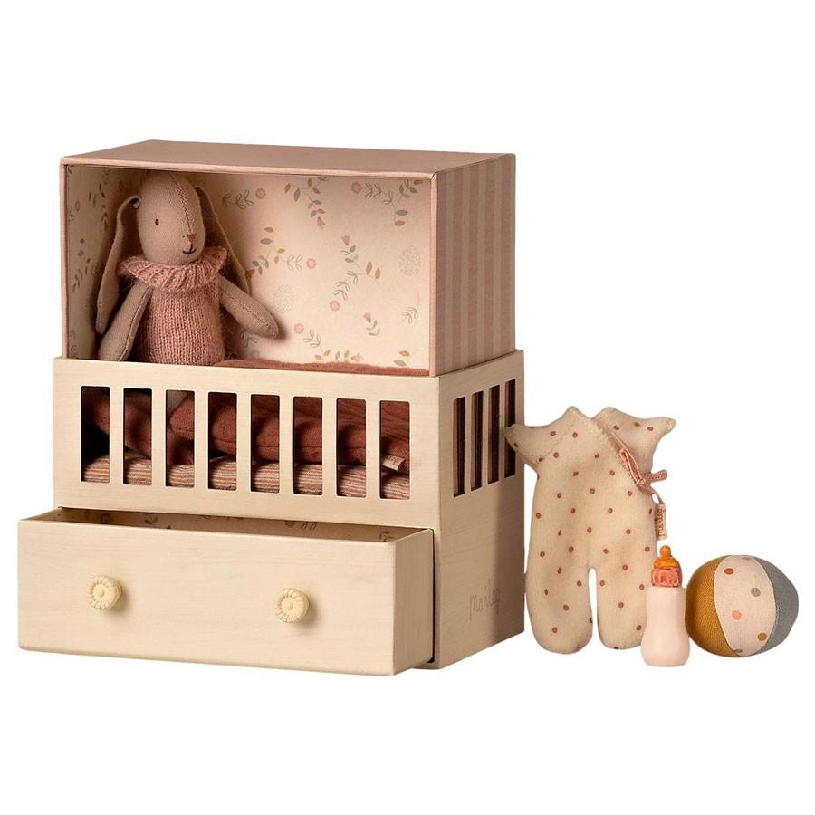 Maileg - Babyhase mit Zimmer Rosa