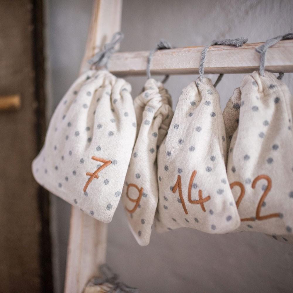 Ava & Yves - 24 Adventskalender-Säckchen aus Bio-Baumwolle