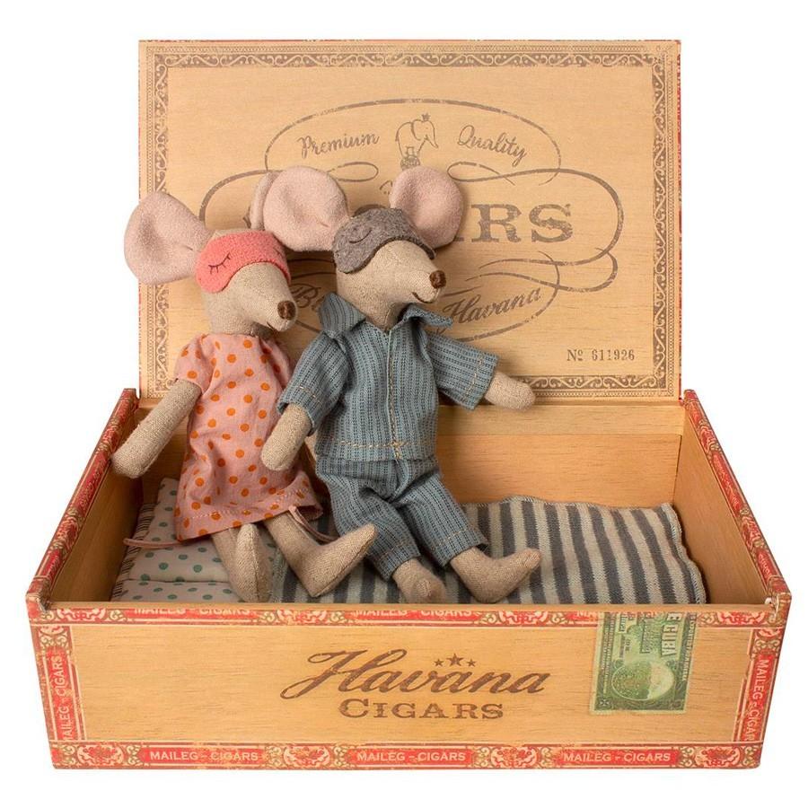 Maileg - Mäuse Eltern in Zigarrenbox