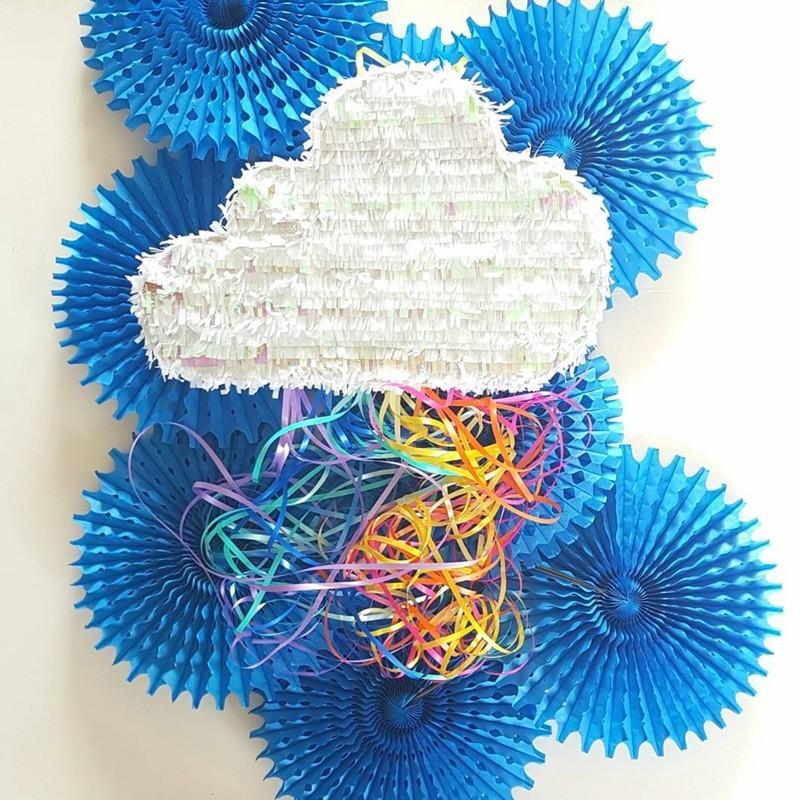 Piñata - Wolke mit Regenbogenfäden